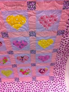 More heart applique quilt