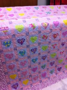 Heart applique quilt