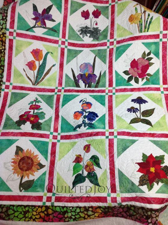 Machine Applique Flower Quilt