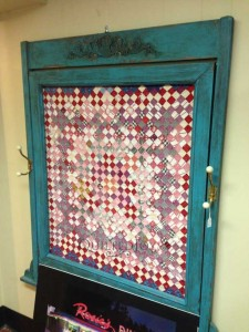 DIY Your Quilting Studio - Quilt Frame by QuiltedJoy.com