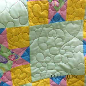 Dianna used a variegated thread to make her quilting pop