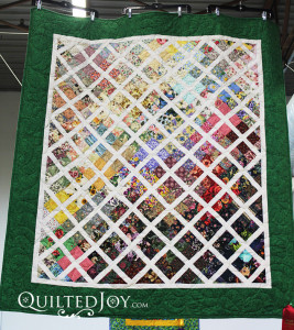 Garden Trellis Quilt by Angela Huffman - Quiltedjoy.com