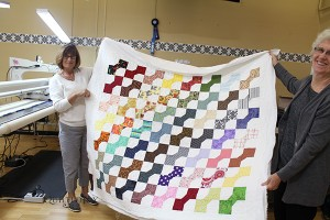 Carolyn's first quilt on the APQS longarm