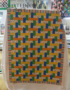 Donna used the design boards to make the swirls on her quilt - QuiltedJoy.com