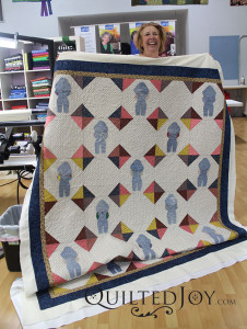 In love with Jennifer's Overall Sam applique quilt! - QuiltedJoy.com