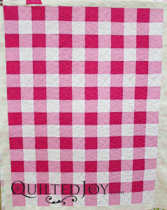 Gingham inspired baby quilt - QuiltedJoy.com