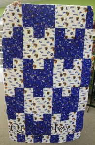 University of Kentucky Tessellation quilt with drop circle quilting