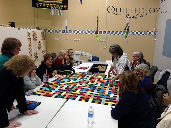 Kentuckiana longarm quilt guild during design round table