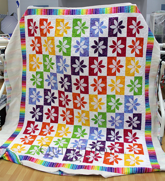 Virginia quilted her Wallflower quilt at Quilted Joy in Louisville, KY
