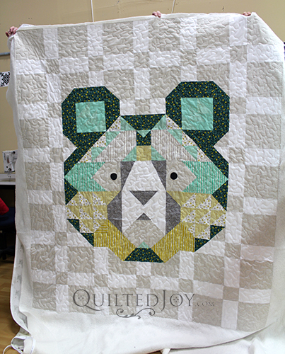 Colleen's Big Sky Bear quilt with easy meander quilting.