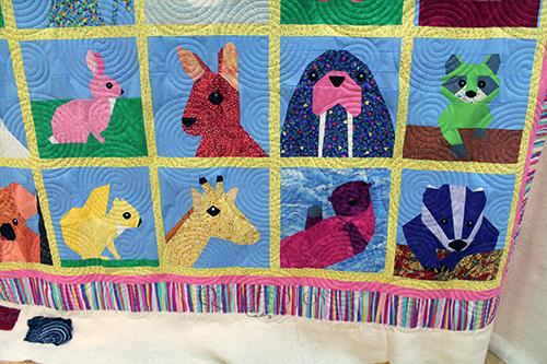 Debbie Paper Pieced Animals Quilt CU 2