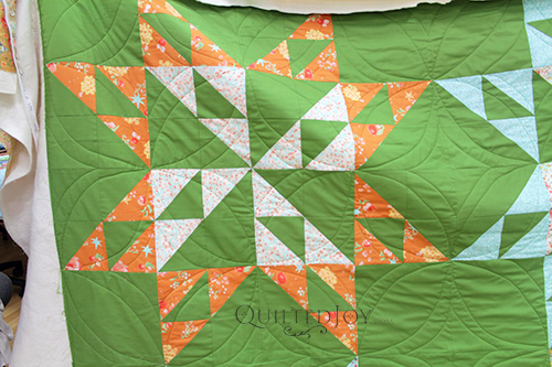 Continuous Curves Quilting on an extra large star block