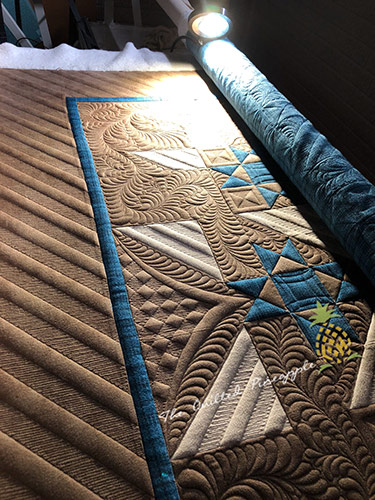 Custom Longarm Machine Quilting by Linda Hrcka of The Quilted Pineapple
