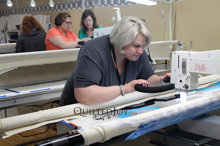 Quilted Joy's Longarm Quilting Machine Rental Program