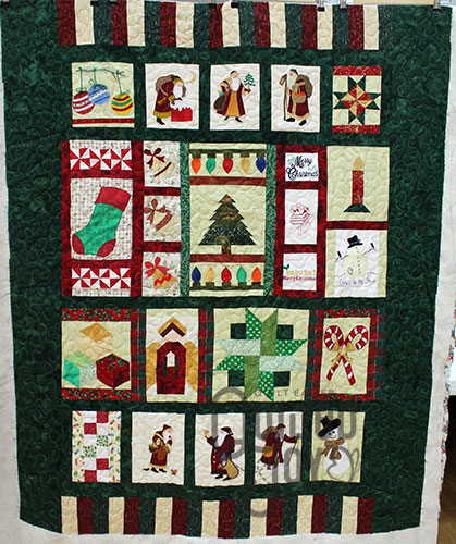 Shirley's Christmas Quilt, longarm quilting by Quilted Joy